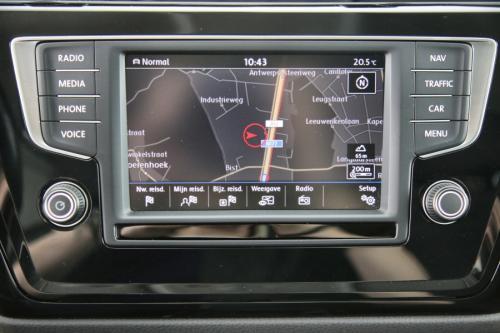 VOLKSWAGEN Touran HIGHLINE 1.6 TDI SCR BMT + GPS + CAMERA + PDC + CRUISE + TREKHAAK + ALU 16