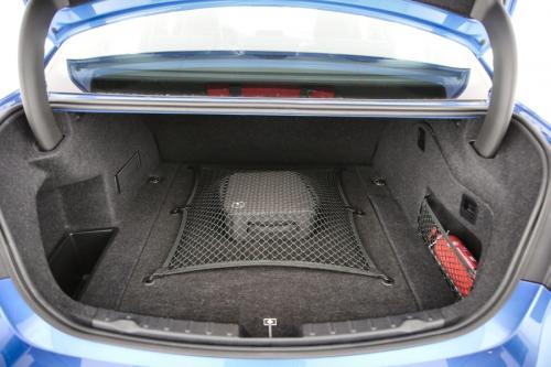 BMW 330 EA IPERFORMANCE M-SPORTKIT + GPS + PDC + CRUISE + ALU 18
