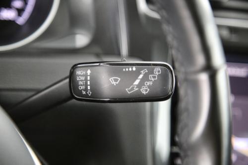 VOLKSWAGEN Golf TRENDLINE 1.6 TDI + GPS + CAMERA + PDC + CRUISE