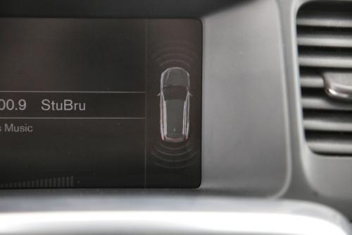 VOLVO V60 MOMENTUM 2.0D3 GEARTRONIC + GPS + PDC + CRUISE + SCHUIFDAK + ALU 17
