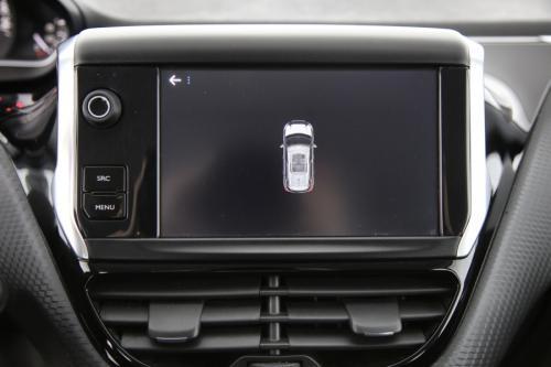 PEUGEOT 2008  ACTIVE 1.6 BLUEHDI + GPS + PDC + APPLE CARPLAY +CRUISE + AIRCO