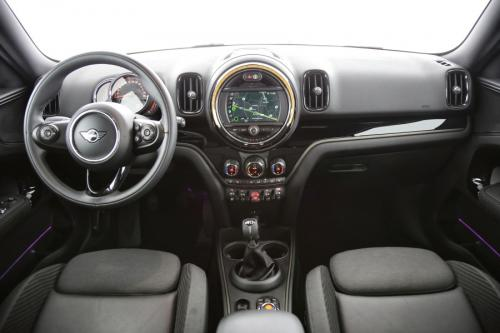 MINI One Countryman 1.5I + GPS + CAMERA + LED + PDC