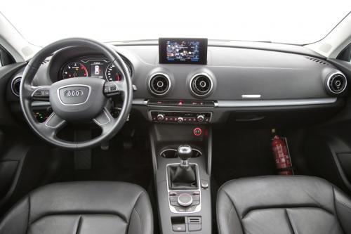 AUDI A3 SPORTBACK AMBITION 1.6 TDI + GPS + LEDER + PDC
