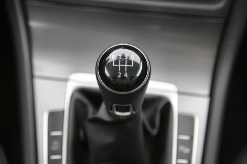 VOLKSWAGEN Golf TRENDLINE 1.6 CRTDI BMT  + GPS + PDC + CRUISE + ALU