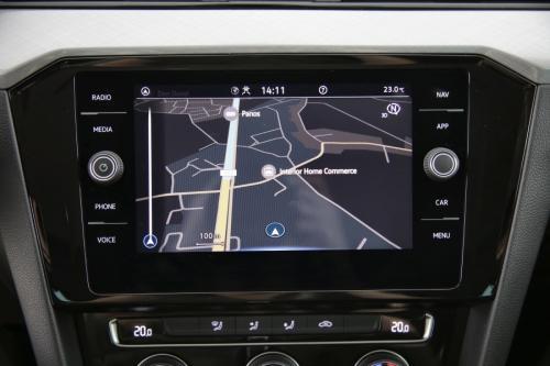 VOLKSWAGEN Passat Variant BUSINESS 2.0TDI DSG + GPS + CARPLAY + PDC