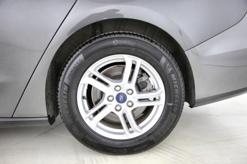 FORD Focus CLIPPER TREND EDITION 1.5 ECOBLUE + GPS + PDC + CRUISE + AIRCO + ALU 16