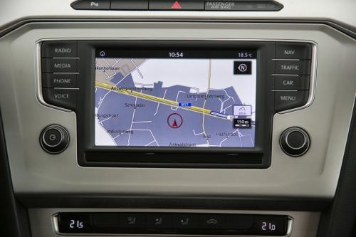VOLKSWAGEN Passat COMFORTLINE 1.6 TDI DSG-7 + GPS + CAMERA + PDC + CRUISE + ALU 16