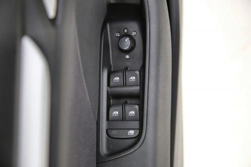 AUDI A3 SPORTBACK 1.6 TDI S-TRONIC + GPS + PDC + CRUISE + ALU 16 + XENON