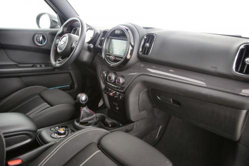 MINI Cooper Countryman  1.5i + GPS +  CAMERA + PDC + PANO DAK + ALU 18 + CRUISE + PDC