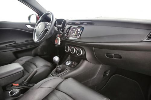 ALFA ROMEO Giulietta SUPER 2.0JTDm + GPS + LEDER + PDC + PANO DAK + ALU 16 + XENON