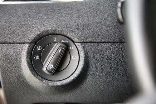 SKODA Octavia COMBI STYLE 1.0TSI GREENTEC DSG + GPS + CAMERA + PDC + CRUISE + TREKHAAK + ALU 17