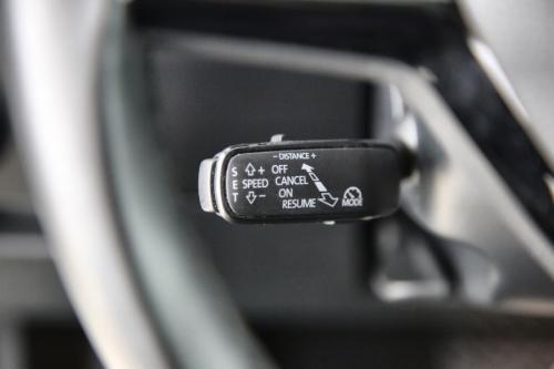 SKODA Superb COMBI 2.0 CRTDI AMBITION DSG + GPS + LEDER + CAMERA + PDC + CRUISE + ALU 18
