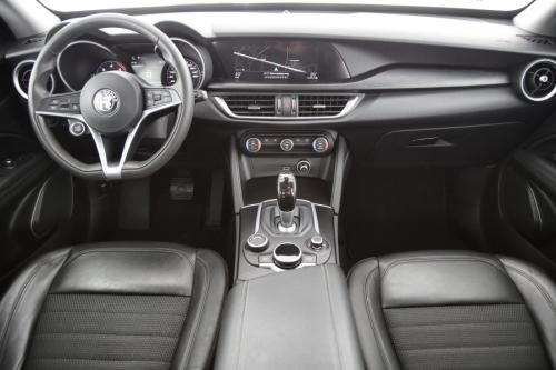 ALFA ROMEO Stelvio  SUPER AWD 2.2D + A/T + GPS + PDC + CRUISE + ALU 18 + XENON