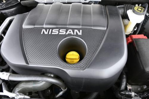 NISSAN Qashqai  1.5 DCI + GPS + AVM + CRUISE + PANO + PDC