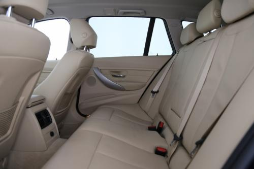 BMW 318 d TOURING AUTOMAAT + GPS PROFESSIONAL + AIRCO + LEDER + CAMERA