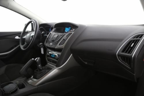 FORD Focus 1.6 BENZINE + CRUISE + ALU 16 + AIRCO + RADIO/CD