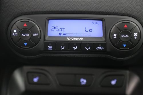 HYUNDAI iX35 1.7 CRDi + GPS + LEDER + CAMERA + CRUISE + ALU 17