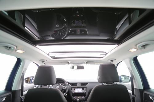 SKODA Octavia COMBI 1.6 TDI AMBITION + AUTOMAAT + GPS + AIRCO