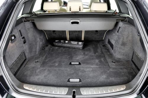 BMW 320 dA Touring LCI + PANO + LEDER + ALU 17 + GPS + PDC