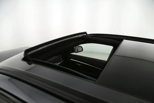 BMW 320 d TOURING + PANO + CAMERA + LEDER + LED + ALU 18